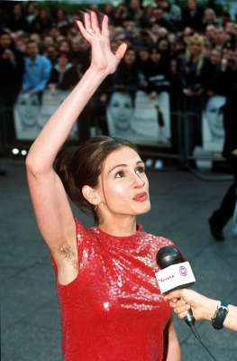 Notting style: Julia Roberts gives a wave to feminism in 1997