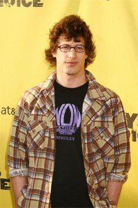 Andy Samberg from SNL wearing a NOW t-shirt
